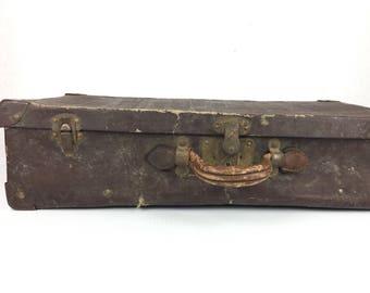 Vintage Suitcase 1930s Lightweight Suitcase Vintage Worn Suitcase Vintage 1930s Suitcase Old Brown Luggage Suitcase