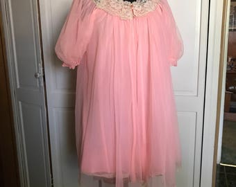 Babydoll Negligee Set/Lissette by Al Sterling/1960s/Nightgown & Robe/Small/Pink with Ivory Lace/Shortie Gown/Pegnoir/Grease/Bye Bye Birdie