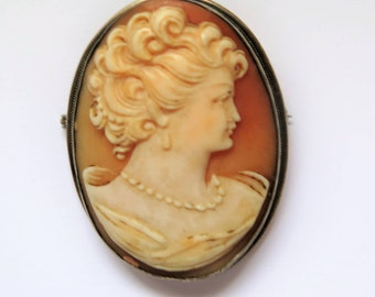Vintage Shell Cameo Brooch / Pin 1930's With Exquisite, Expert Carving In Silver Frame