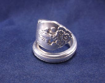 """Spoon Ring 1937 """"Lovely Lady"""" Vintage Handmade Spoon Jewelry  size 7."""