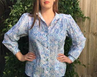Vintage 1980s Blue, Pale Lilac and White Floral Cotton High Neck Blouse with Decorative Buttons(Nightingale)-Approx Size 12-VGC