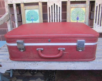Red Vintage Suitcase - Overnight Bag - Storage- 1960's - Samsonite
