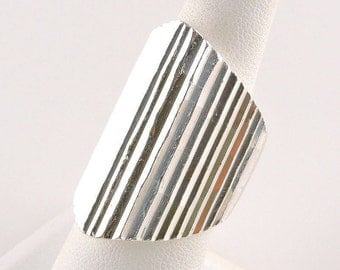 Size 7 Sterling Silver Chunky Laser Cut Ring (24.5 grams)
