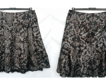 Modern casual A-line skirt brown taupe skirt knee length Floral print / Size Medium