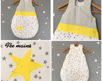 Sleeping bag 0-6 months in white cotton printed grey stars, yellow and grey Pearl