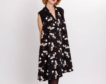 Floral print A-line dress / Oversized elegant sleeveless woman dress / Black printed with side pocket dress / Fasada 17180