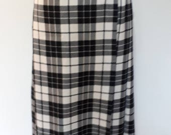 Vintage 80s Kilt by Alexon pure new wool black and white Kilt pleated plaid tartan with leather fastenings Skirt Size small