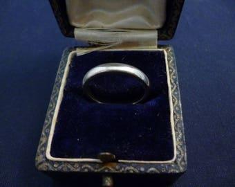 Vintage silver band ring - 925 - sterling silver - UK M - US 6.25 - Full UK Hallmark - d