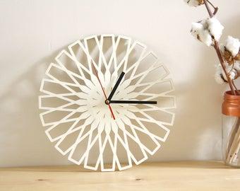 Wooden geometric clock, modern minimal design, poplar wood, Wall Art, original home decor, unique and natural gift, round shape 11 inch