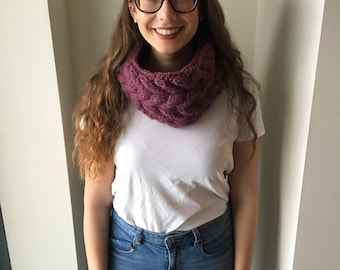 Purple Chunky Cable Infinity Scarf // Fig Cowl Scarf // Twisted Circle Scarf // Knit Neck Warmer // Infinity Winter Scarf