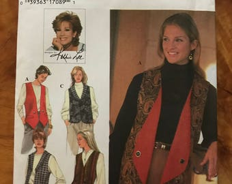 Simplicity 9741 - Kathie Lee Reversible Vest with Round or Weskit Hem and Lapels - Size 6 8 10
