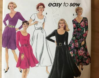 Simplicity 8119 - Easy to Sew Scoop or V Neck Dress with Fitted Bodice and Circular Skirt in Knee or Midi Length - Size 10 12 14 16