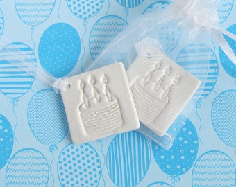 5 Clay Birthday Favour/Gift Tags, Party Favours, White Clay Favour, Ornament, Birthday Memento, Handmade Clay Cake Gift Tag