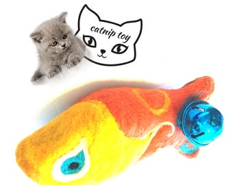 Catnip Fish Cat Toy with Rattle, Needle Felted Cat Toy, Cat Toy of Many Colours,Hand Crafted Cat lover Gifts, Needle Felted Wool Cat Gifts