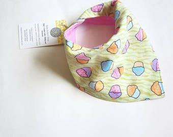 Cupcake Baby Bib, baby bib set , Baby Gift Set, Modern Baby Gift, Baby Girl Gift, Baby Shower Gift, green Bib Set, Baby birthday Gift