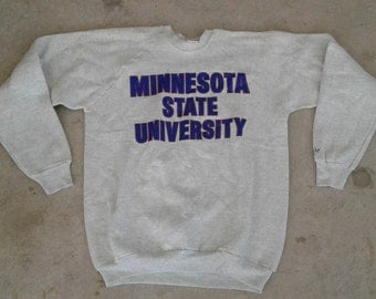 DEADSTOCK Vintage 80's / 90's Minnesota State University, Mankato Mavericks Grey Crewneck Sweatshirt Made in USA XL