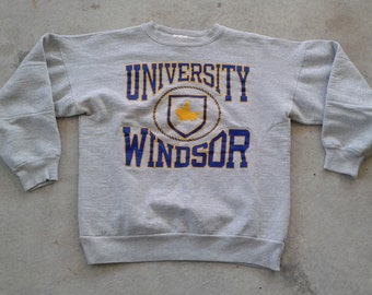 Vintage 80's University of Windsor Lancers grey Crew-neck sweatshirt Made in Canada Medium