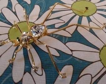 Heart Rhinestone 8- Leg Bug Pin:
