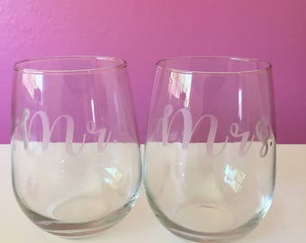 Mr. & Mrs. Etched Stemless Wine Glasses (2)