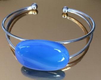 Bracelet-bangle-jewellery-blue-Dutch design-handmade-metal-glass art-Gift woman-exclusive-gift idea-anniversary-jewellery-Spectrum glass