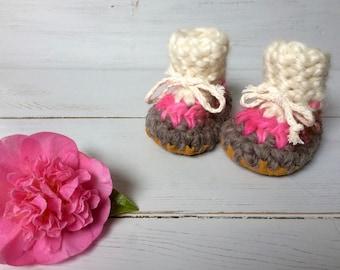 Newborn slippers, Crochet slippers, Toddler slippers, Children's slippers, cuff slippers, pink slippers, baby booties, baby girl slippers,