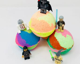 New! 5 Star Wars Lego Set B Inspired 7.0 oz Birthday / Valentines Day Bath Bomb Sets with Surprise Toy Inside.