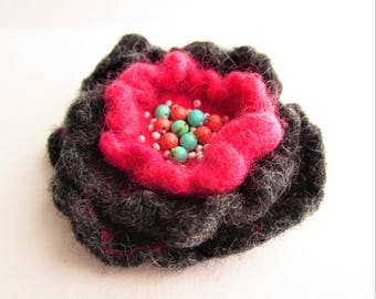 Felt brooch Handmade brooch Felt wool brooch flower Female wool jewelry Felted brooch Grey flower pin Boho brooch Felt flower brooch