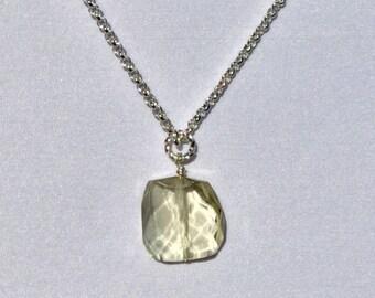 Stylish Lemon Quartz Gemstone Pendant Necklace!
