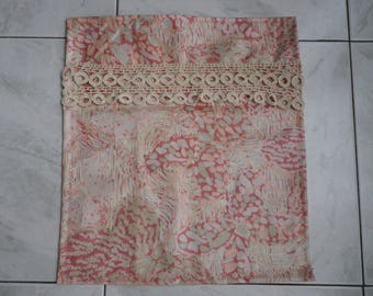 Whtie with antique lace bedspread: new