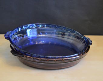 "Set of 2 Pyrex 229 9.5"" Glass Pie Plates, 1) Cranberry, 1) Cobalt Blue, Scalloped Fluted, Handles"