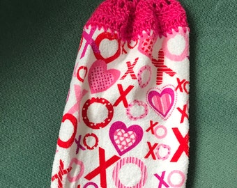 Hanging Kitchen Towel - Hearts and Kisses