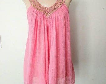 70s Vintage Blouse / 1970s Pink & Gold Metallic Grecian-Style Tunic Top Sm/Med