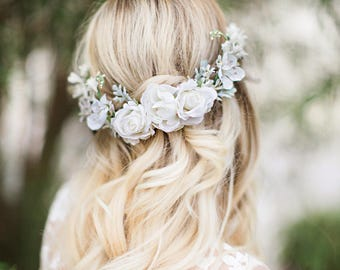 bridal hair piece, white flower hair clip, flower hair comb, bridal hair comb, bridal hair vine, white hair accessories, white rose hair