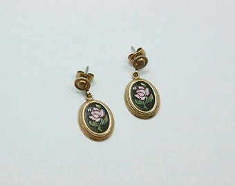 Vintage Avon Dangle Earrings Black and Gold Tone Pink Flowers
