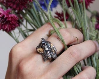 Bee ring, sterling silver ring, silver and gold, bee jewelry, statement ring, unique ring, insect jewelry, insect ring, nature ring, ooak