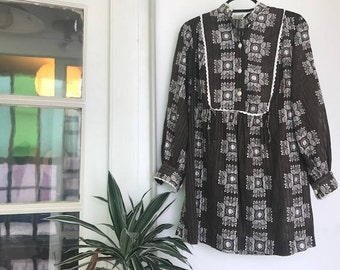 1960's Brown & White Psychedelic Mini Dress