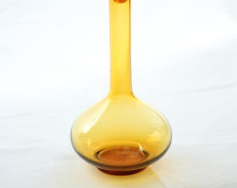 Mid Century Amber Glass Decanter With Stopper