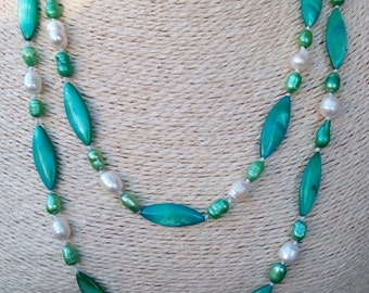 Green Pearl Necklace with cultured pearls