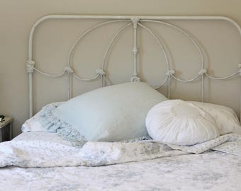sale iron bed queen vintage style replica of rachel ashwell shabby chic bed in photos antiqued