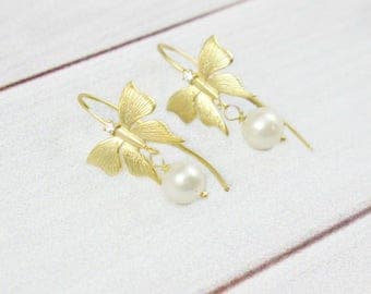 Dainty Gold Earrings, Butterfly Earrings, Delicate Earrings, Dainty Earrings, Pearl Earrings, Drop Earrings,Small Earrings,Butterfly Jewelry