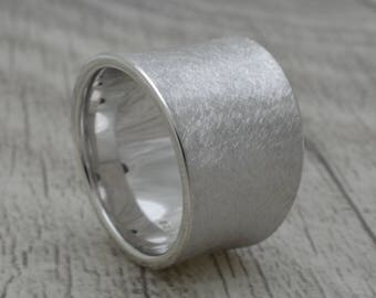 CONCAVE RING made of silver, 15 mm wide