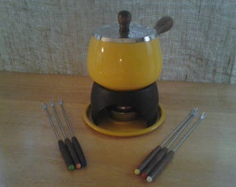 Retro Yellow Fondue Set with  6 Forks