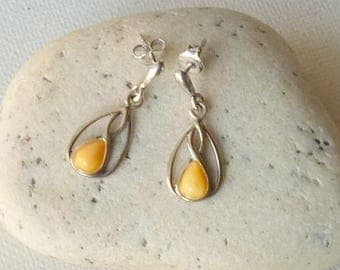 Yellow Amber Sterling Silver Earrings, Vintage Dangle Amber Earrings, 925 Amber Retro Amber Eatrhy Earrings Egg Yolk Amber Jewelry form 70's