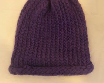 Adult Cap made of wool purple