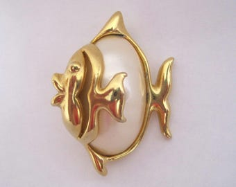 Vintage Fish Pin Gold Tone Faux Mabe Pearl Brooch