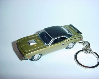 3D 1970 Plymouth Barracuda custom keychain by Brian Thornton keyring key chain finished in gold color trim diecast metal body hood opens