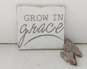 GROW in GRACE wood sign // faith based sign // inspirational wall art // christian // distressed wood sign // rustic