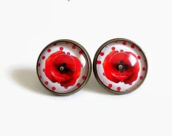Stud Earrings * poppies and polka dots * 14 mm, glass cabochons