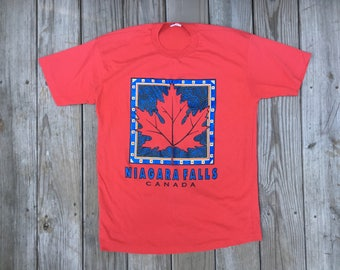 Canada Niagra Falls Maple Lead  T Shirt Red  Large 50 50