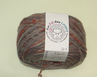 Hand dyed 100% Merino Wool